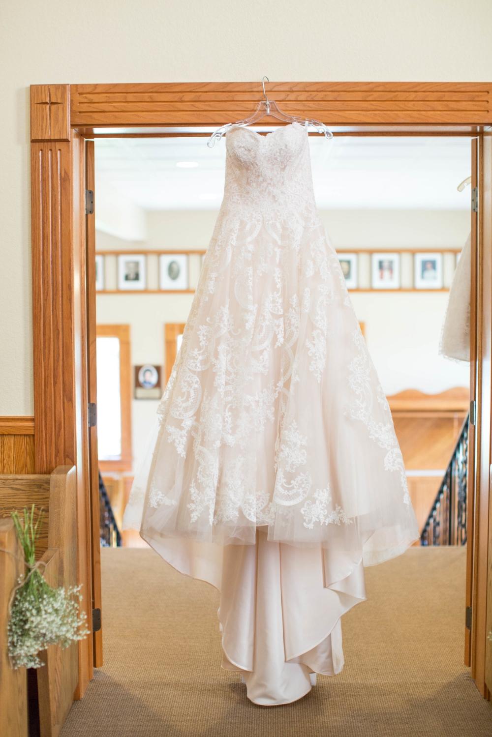 #mnwedding #mnphotographer #countrycharm #bride