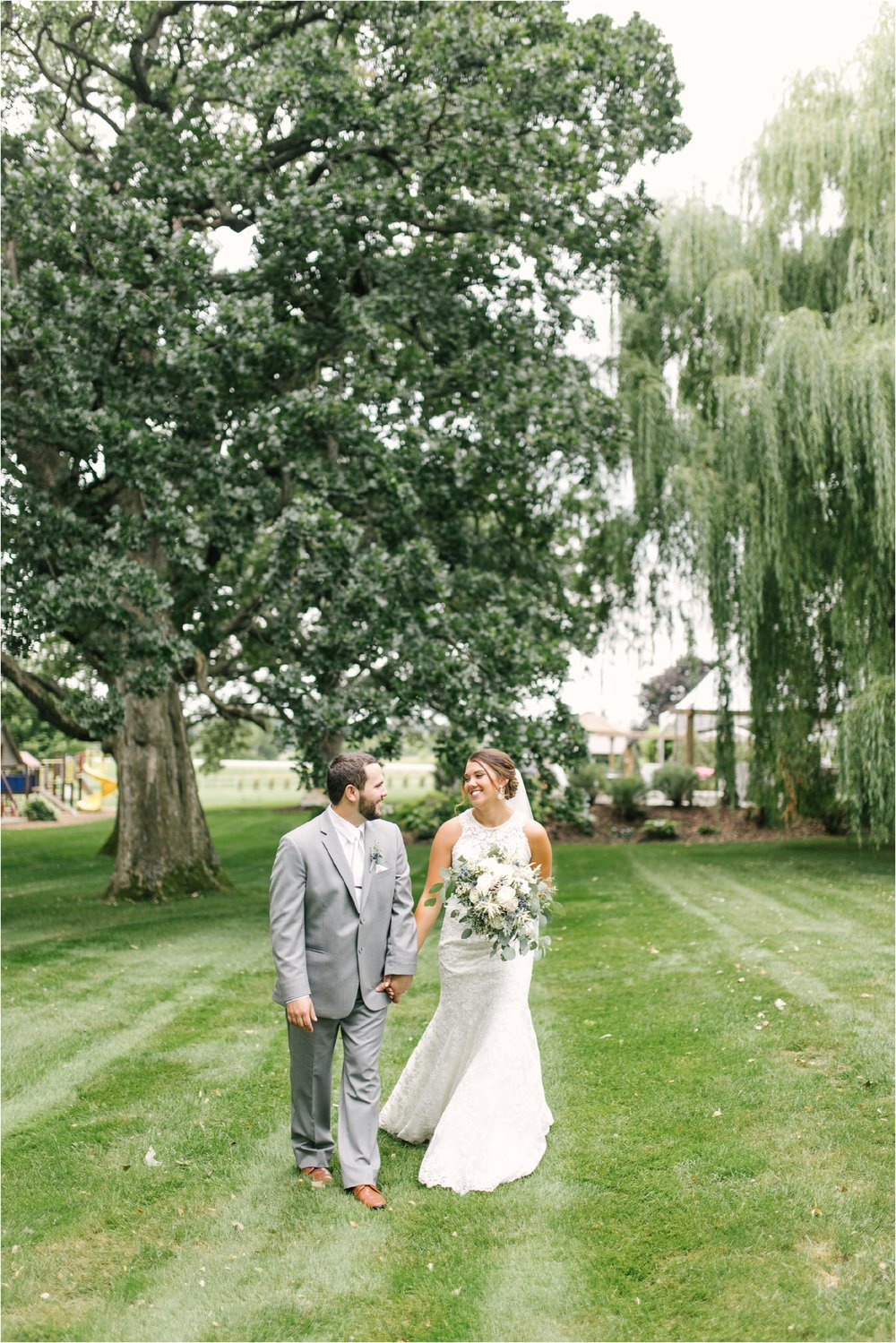 OakViewEvents_CountrysideWedding_MidwestWedding_0012.jpg