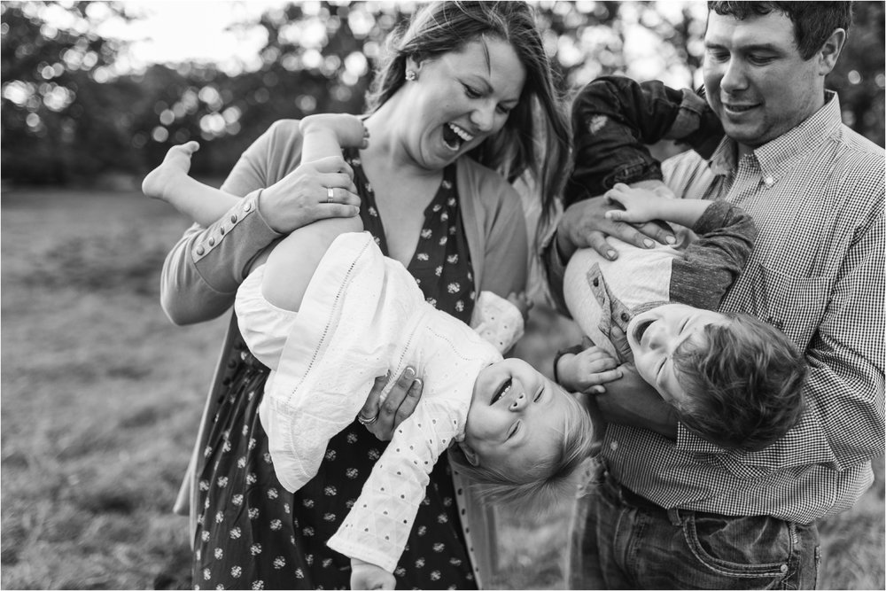 Farm Family Session_Midwest Wedding Photographer_Stephanie Lynn Photography_0095.jpg