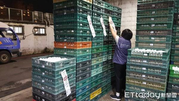 ▲台灣今年芬普尼雞蛋連環爆,衛生局封存下架。(圖/台北市衛生局提供)