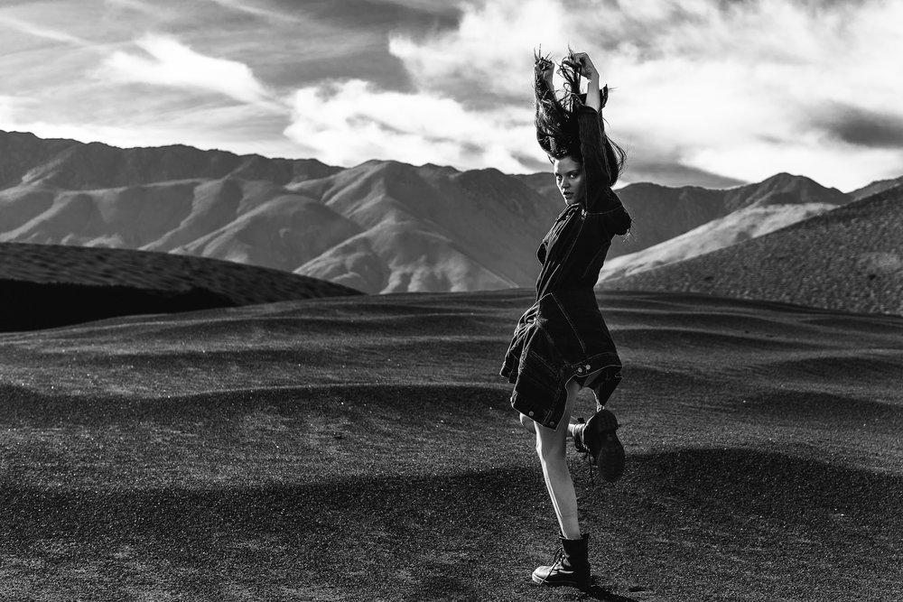 amber desert dance-1.jpg