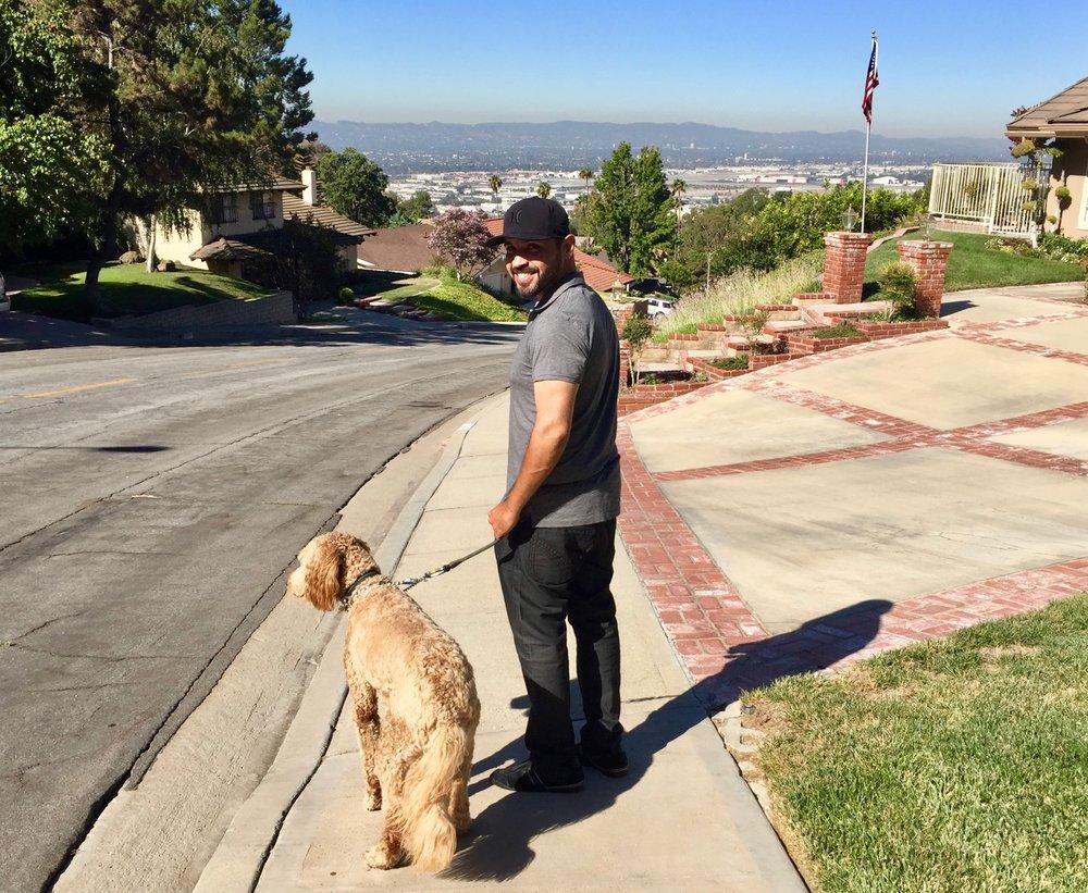 Good Dog Walker, Luis