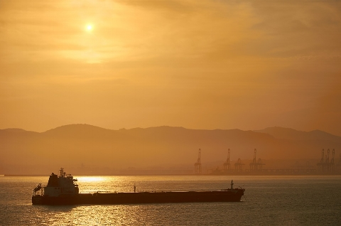 Oil-Tanker-Tanker-Abendstimmung-Sunset-Sea-654867.jpg