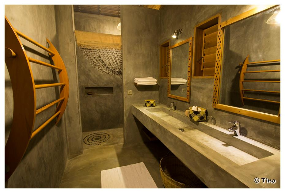 Luxury Bathrooms at L'Heure Bleue Hotel