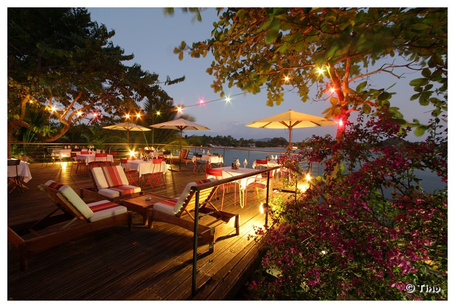 Night Time outdoor lounge at L'Heure Bleue Hotel