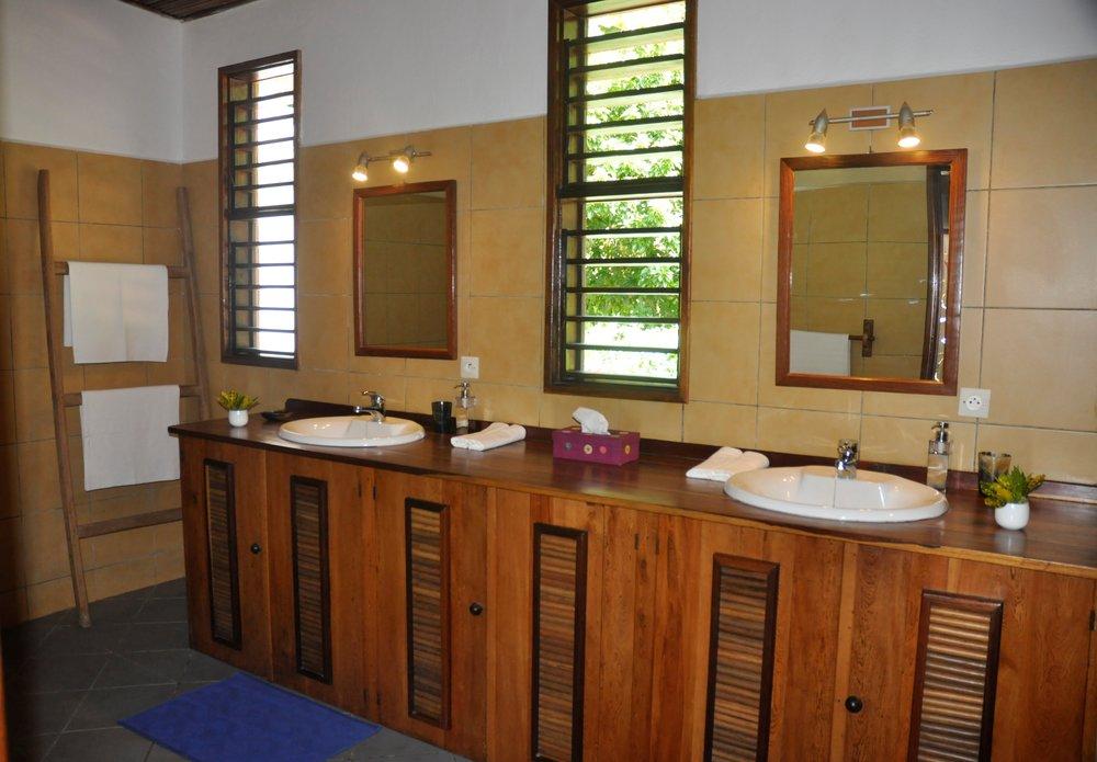 VTS_Bathroom_Master (1).JPG