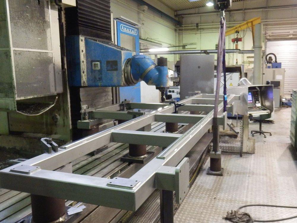 5-akset bearbejdning af store stålkonstruktioner på Anayak'en