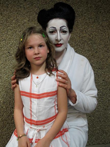 MARINA ABRAMOVIC & GODDAUGHTER<BR/> ANTWERP 2012