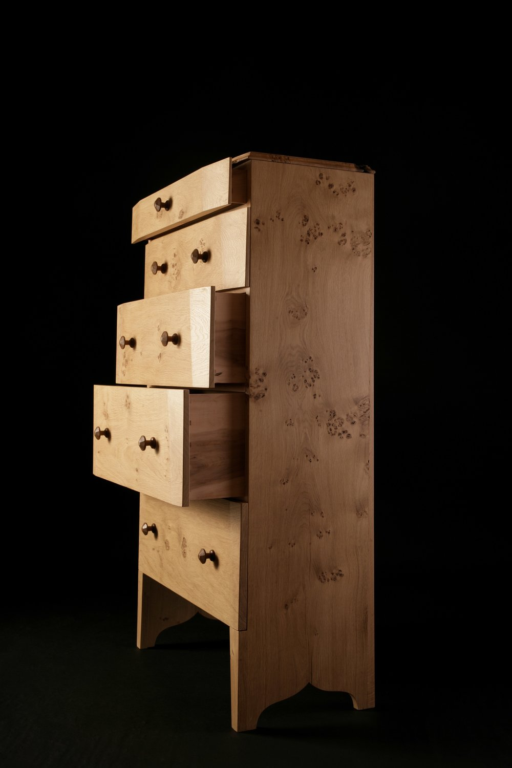 EDGES CHEST OF DRAWERS