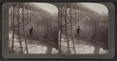 Arquivo estereográfico 3D da NYPL. - NEW YORK PUBLIC LIBRARY. EEUU, 2016.Unha colección de fotografías estereoscópicas do século XIX recompiladas pola New York Public Library a partir de diversos arquivos norteamericanos. A estereoscopía foi moi popular entre 1850 e 1930 e agora, coa tecnoloxía 3D e inmersiva podemos facer que estas imaxes cobren vida de novo.