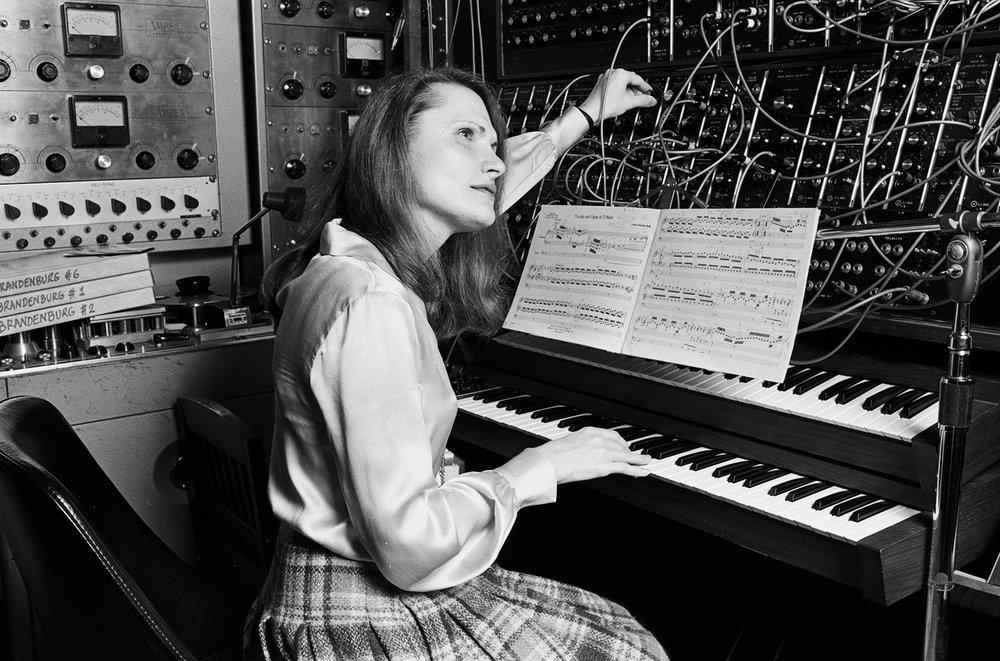 wendy-carlos-composer-bw-1979-billboard-1548.jpg