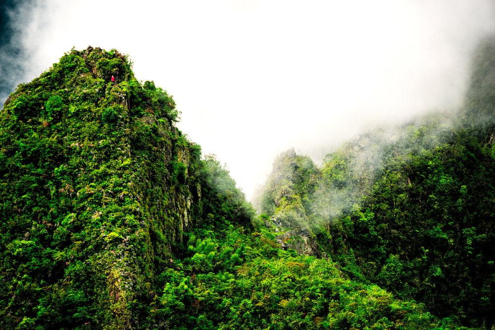 Spyrides_Kial_Machu_Pichu_Landscape_Red_Person_1_DSC1070.jpg