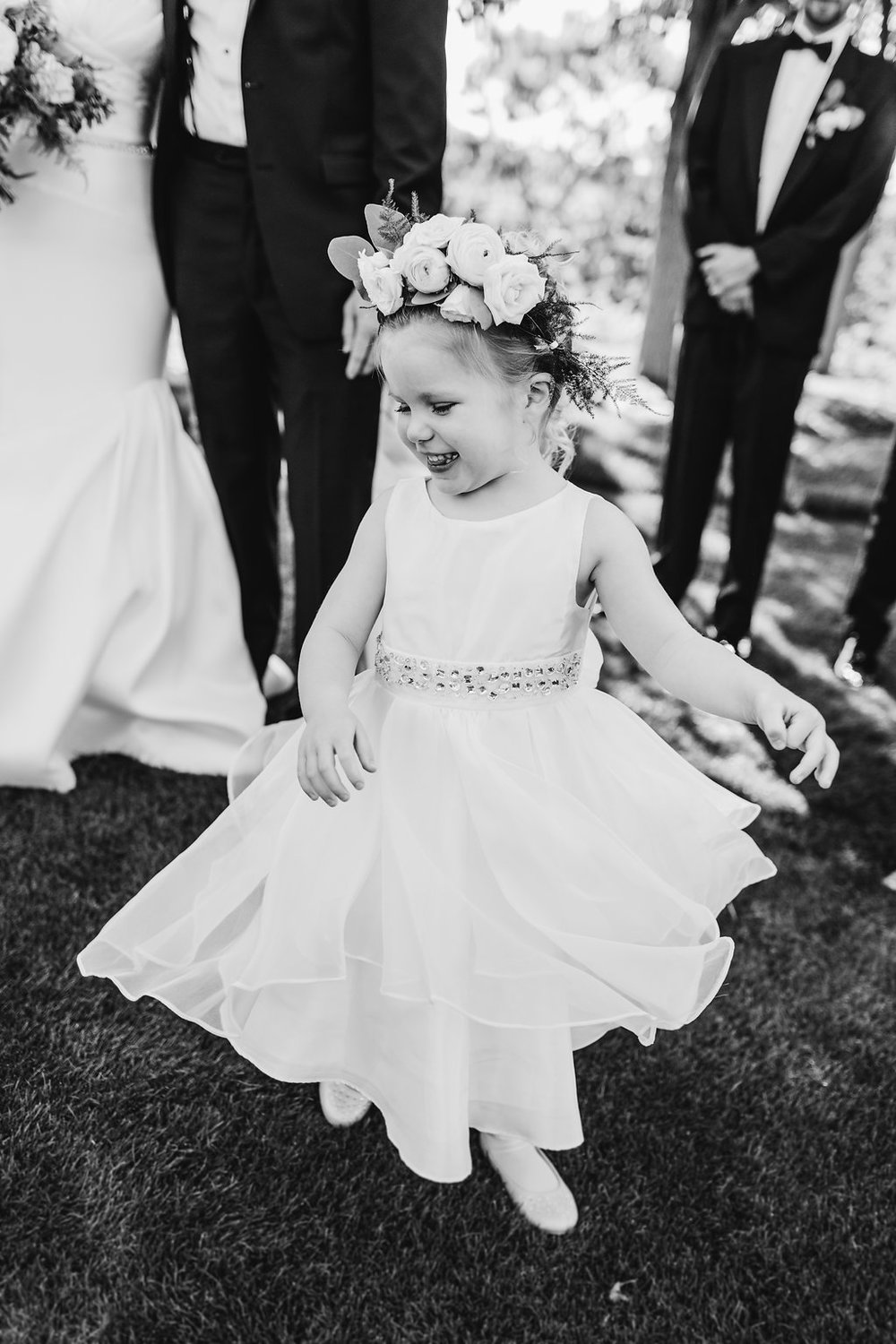 Copy of Ben+MeganWeddingParty-67_b_w.jpg