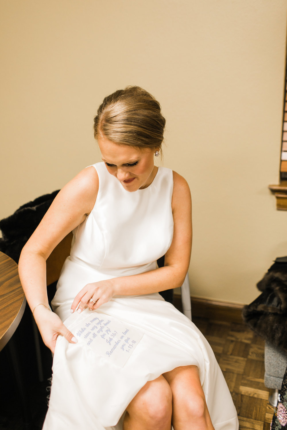John+EmmaWeddingPreparation-107.jpg