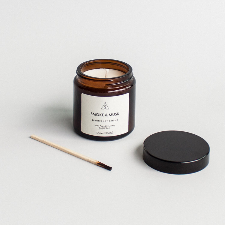 Form-Earl-Of-East_London-Smoke-And-Musk_Candle-02.jpg