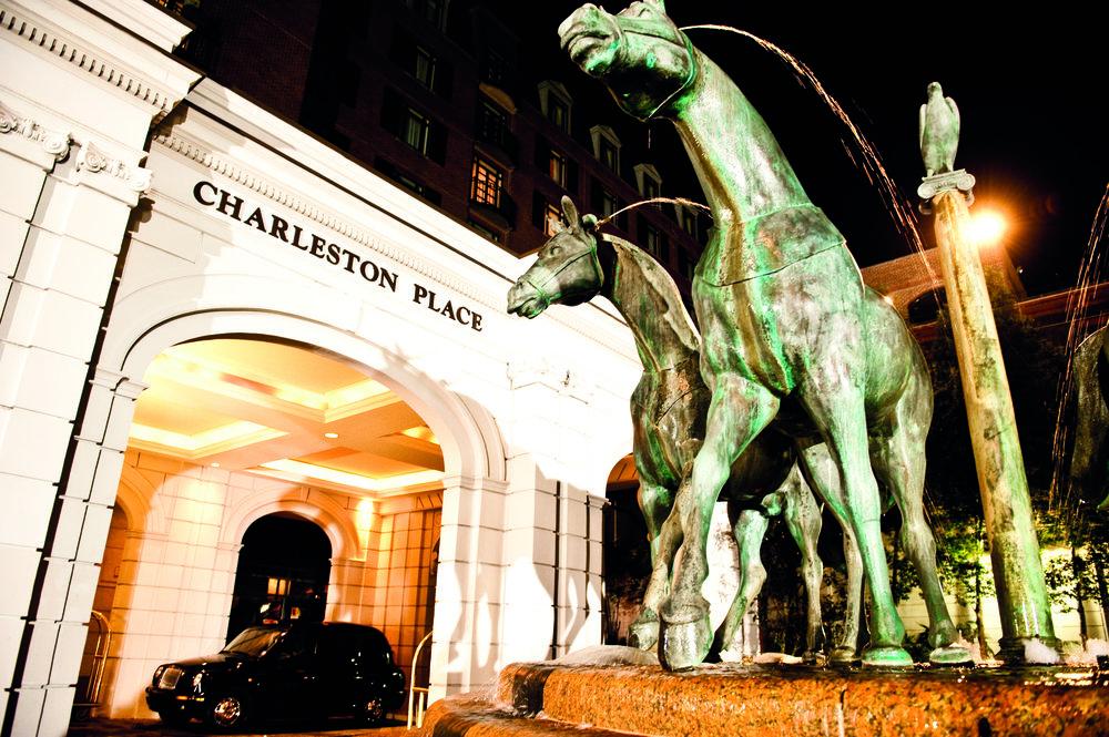 CPH-EXT-04_horses night.jpg