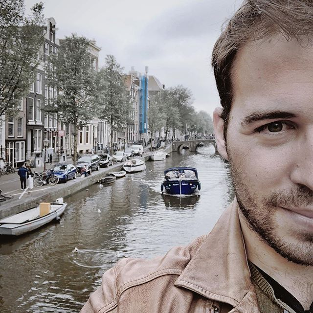Day off in Amsterdam 😍 after a hard days presenting Jewish Life album in Holland! #amsterdam #holland #beautiful #travel #selfie #music