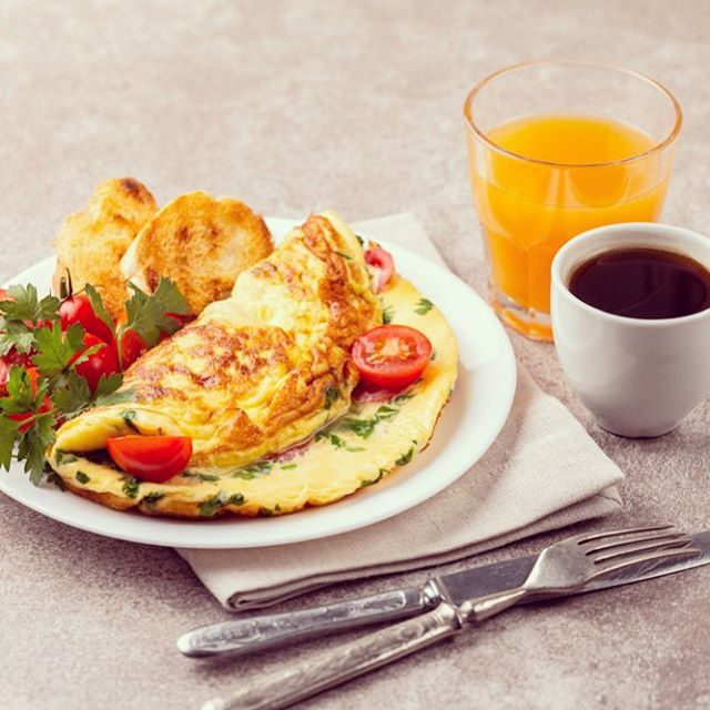 Feeling omelette? Try our breakfast omelettes this morning with some fresh pressed juice. #vitamin #vitaminc #omelette #eggs #breakfast #localcoffee #breakfastatmawas #snow #snowday #localbusiness #eatery #coffee #espressobar #family #willitstowncenter #basalt #colorado #fresh #seasonalkitchen #chefmawa #mawaskitchen