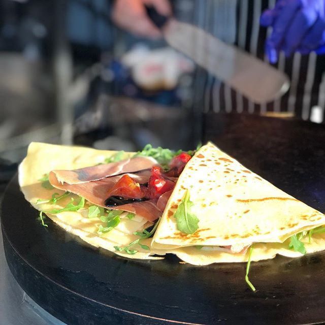 Explore it's your weekend! How about a Italian Crepe 🍅🧀🍖🍅🍴#crepes #weekend #crepeshack #brunch #breakfast #lunch #italian #prosciutto #wine #local #basalt #enjoy #life #cooking