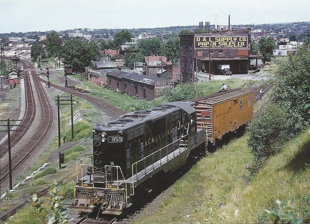 Proving that No. 959 is right at home in Scranton, here's a mid-1950s photo of the locomotive working the yards in town. (Chuck Yungkurth photo)