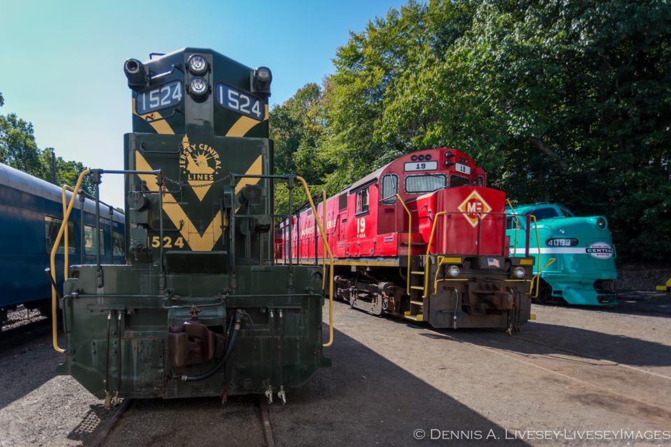 The star lineup for the event: CNJ 1524, M&E 19, and New York Central 4083.