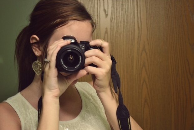 My first DSLR! I posted this picture to tell the world about it. Too bad it's not sharp and my hands are blurry. And...is that a...bathroom selfie?!