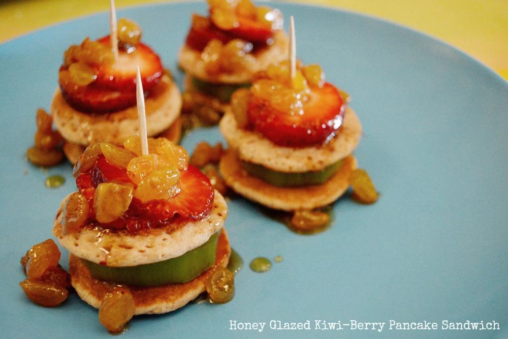 kiwi-strawberry-pancakes1.jpg