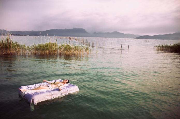 Le Lac par Stefanie Renoma