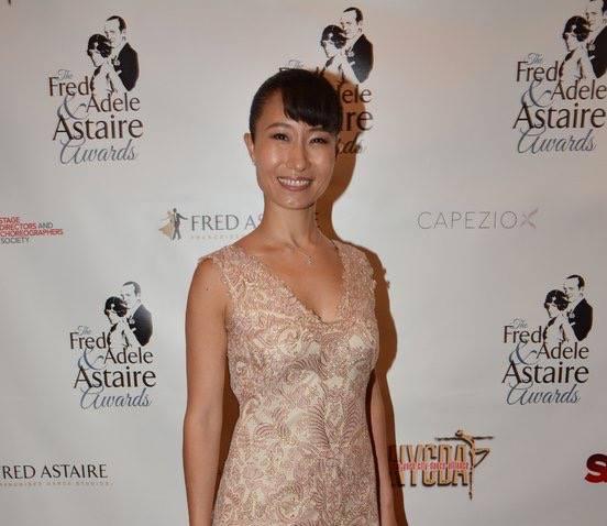日本人初のフレッド アデル アステア賞を受賞。