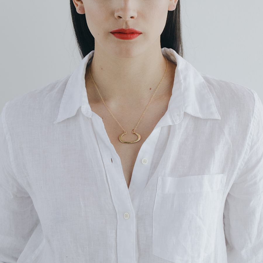 MGG STUDIO THEA necklace model.jpg