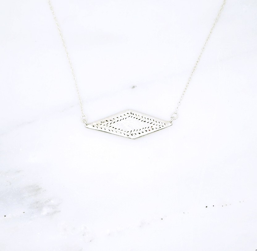 diamond_shaped_pendant.jpg