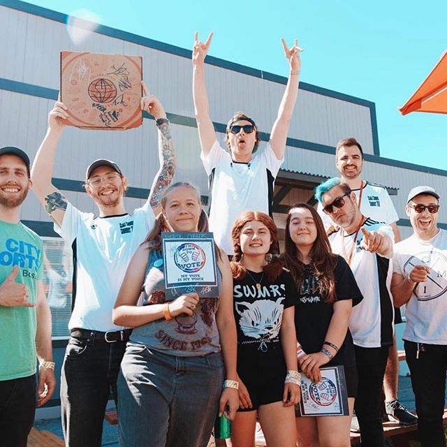 Had a pizza party at @vanswarpedtour this summer with @statechampsny and @headcountorg and talked voting. I'm headed to the polls right meow. Do it. #vote #warpedtour #headcount