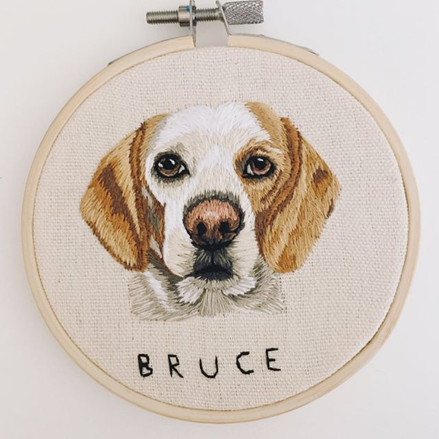 That's a wrap on Bruce! Lots of love to incredible customers like @erinfurr who place back to back orders to make sure no fur baby is left unstitched! Treat. Yo. Selves. Another lil reminder that my next shop update (June 25) will be my last major intake for the foreseeable future, so if you're thinking about Christmas gifts... don't wait!😘🎄🎁