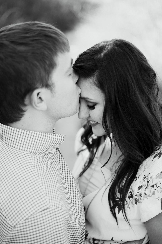 Laura-Noah-Engagements-3.jpg