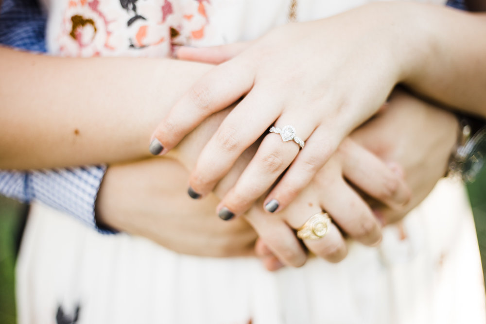 Laura-Noah-Engagements-11.jpg