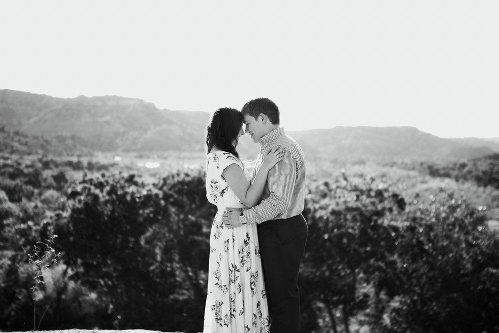 Laura-Noah-Engagements-16.jpg