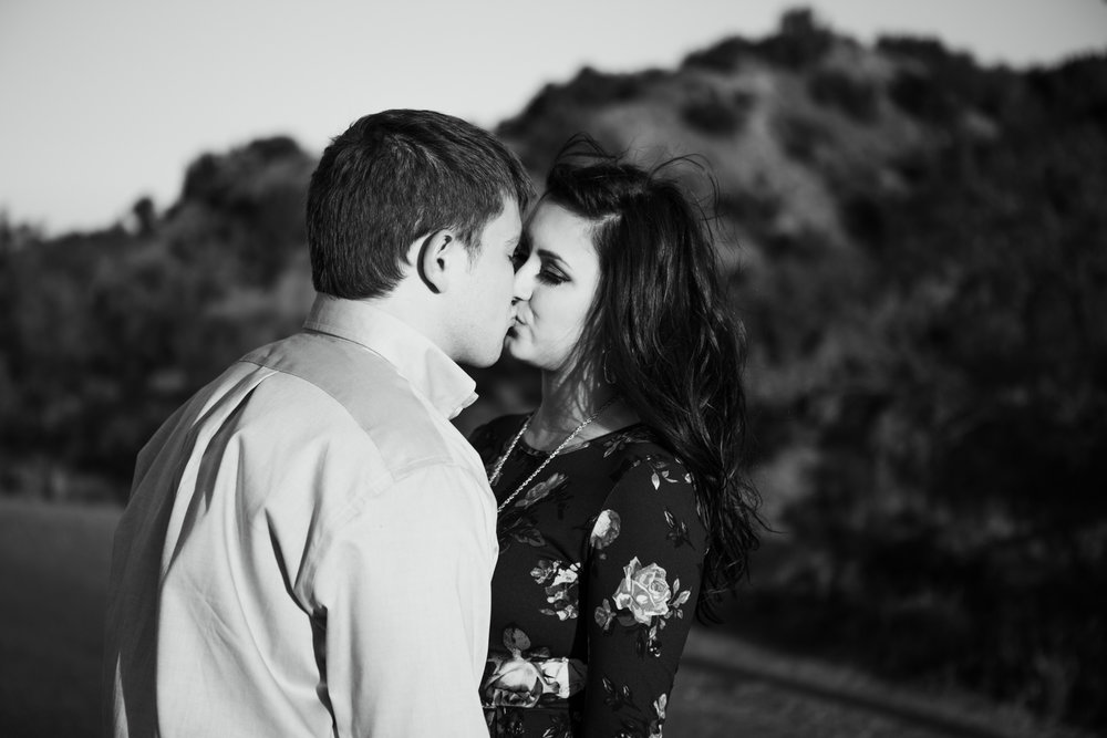 Laura-Noah-Engagements-39.jpg