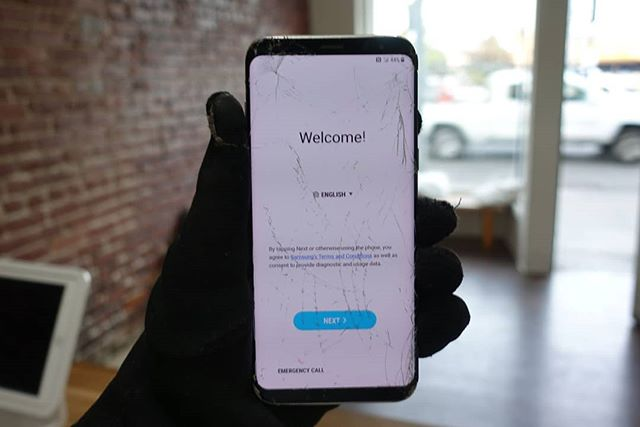 Samsung galaxy glass repair ! Galaxy s7 edge $99 Galaxy s8 $109 Galaxy s8 plus $129 Galaxy s9 $149 Galaxy s9 plus $159 Galaxy note 8 $139  Monday - saturday 10am - 6pm  334-9010 S Los Angeles St, Los Angeles, CA 90013  #samsungrepair #samsungrepairs #phonerepair #phonerepairs #samsung #galaxys7edge #galaxys8 #galaxys8plus #galaxys9 #galaxys9plus #happeningdtla #dtla #downtownla #downtownlosangeles #laevents #brokenphone #losangeles ##cellphonerepair #iphonerepair #glassrepair #repair #ifixit #screenrepair #iphonerepair #screenrepair #crackediphone #crackedscreen #phoneshop #thecellphonespot #cellphone #samsung