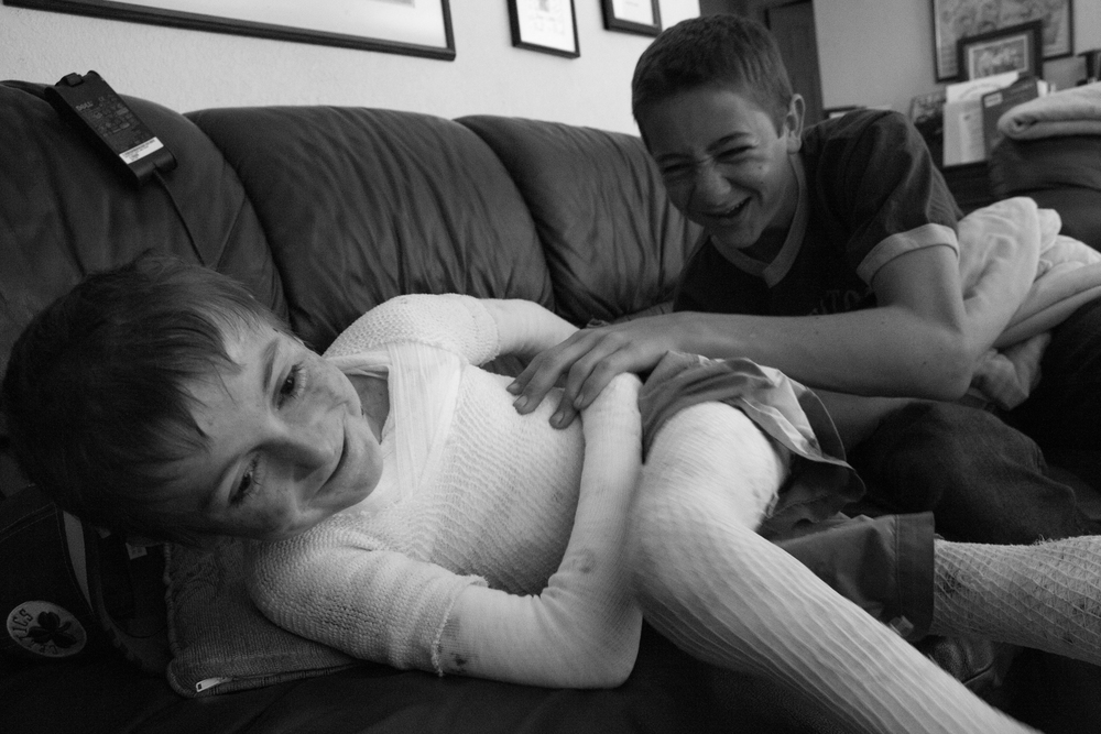May 8, 2009 - Newman, California, USA - Born with Epidernolysis Bullosa, Garrett Spaulding's skin is very sensitive and is hurt easily. But, leave it to his older brother, David, to find a way to tickle and rough house with his younger brother without hurting him. (Credit Image: Andre J. Hermann/ZUMA Press)