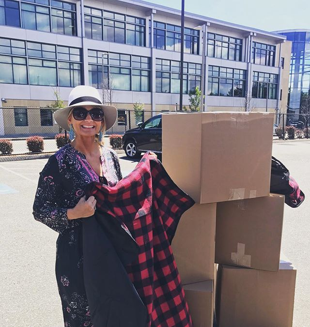 Excited to drop off 110 blankets to @rosies_place made possible by @roche_bros Thank you!