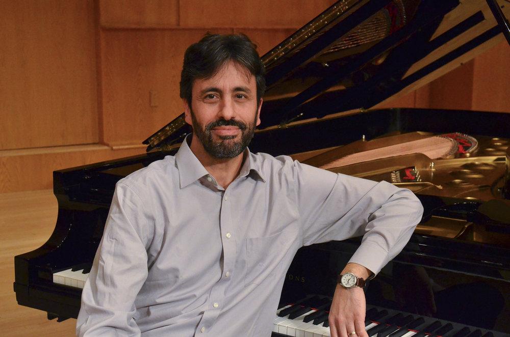 Dr. Alejandro Cremaschi