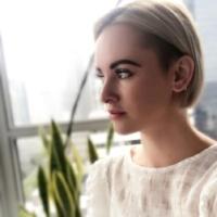 Katie -Creative Director / Lash Artist