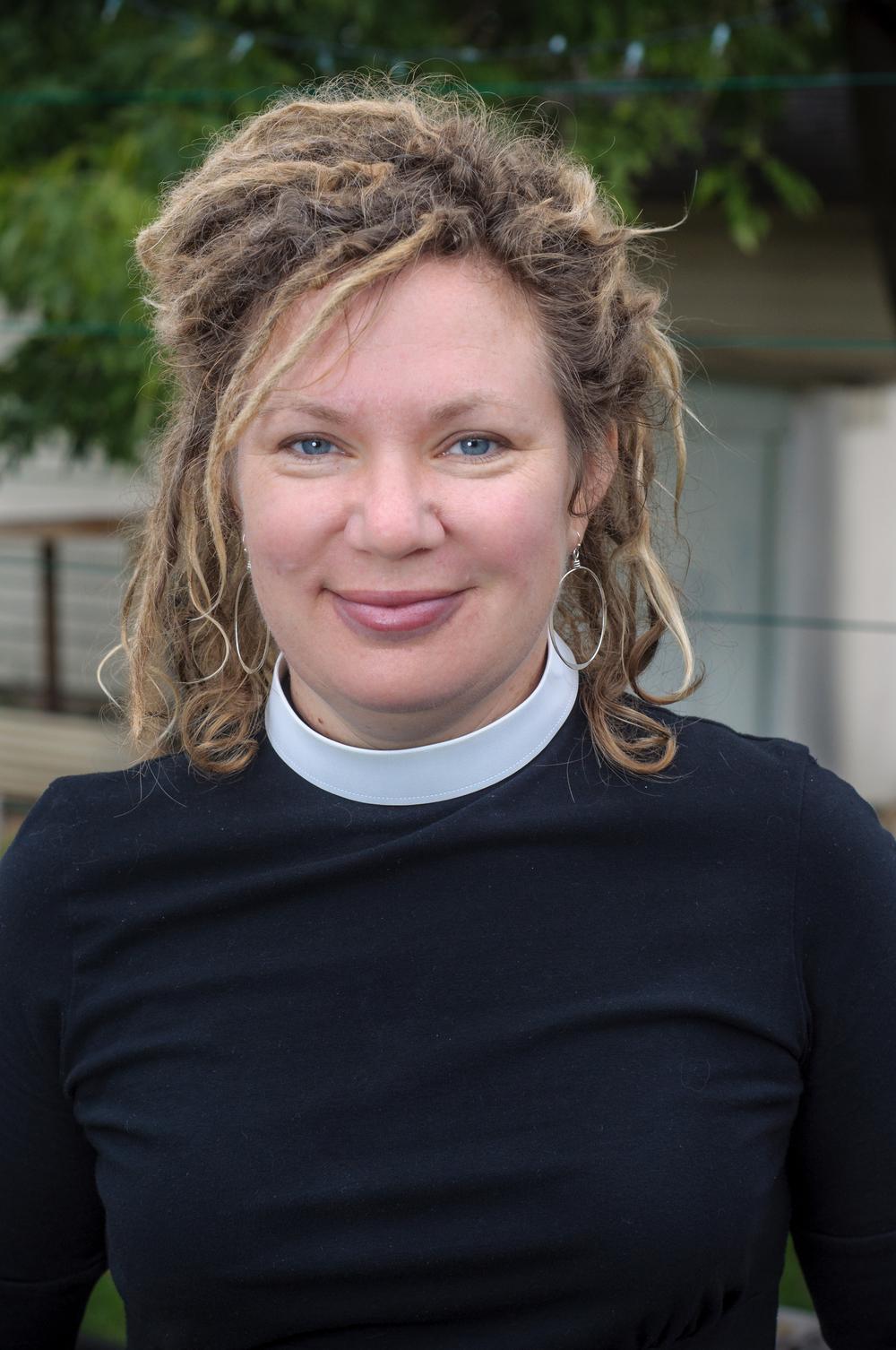 pastor-jodi-houge