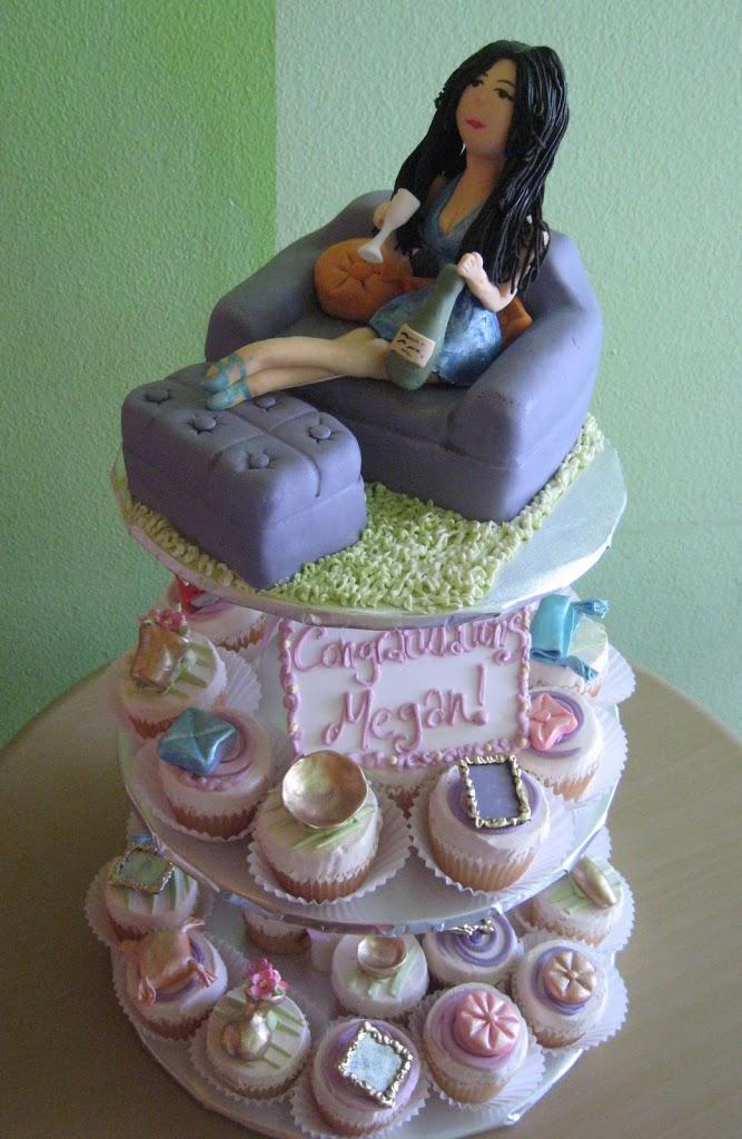 housewarming-cupcakes-with-figurine.jpg