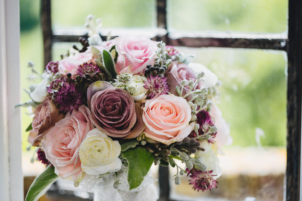 Bridal bouquet, wedding photographer south wales