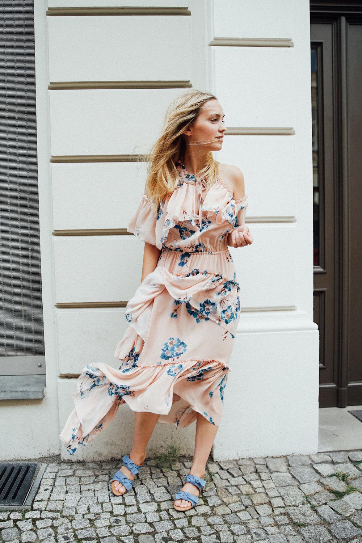 valentine silk dress in nude 879€ Size 36