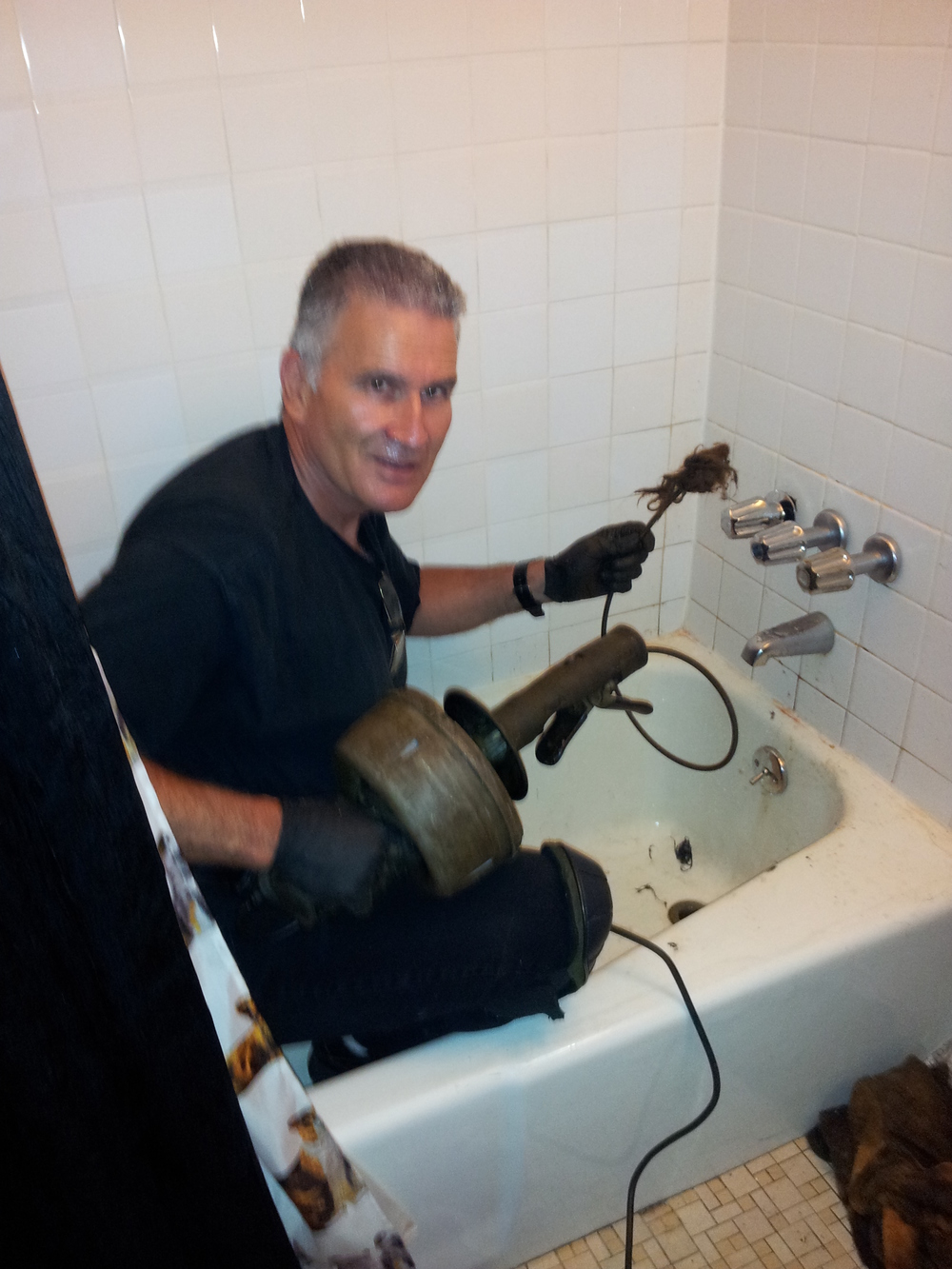 bathtub-unclogging-drain-medic.jpg