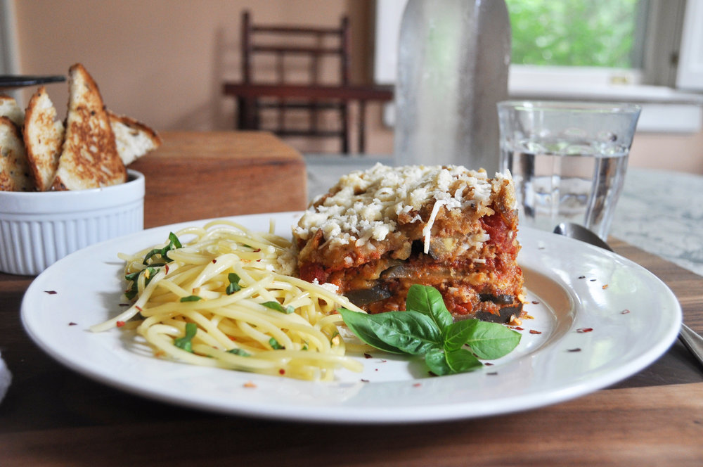 slow-cooker-eggplant-parmesan-with-pasta