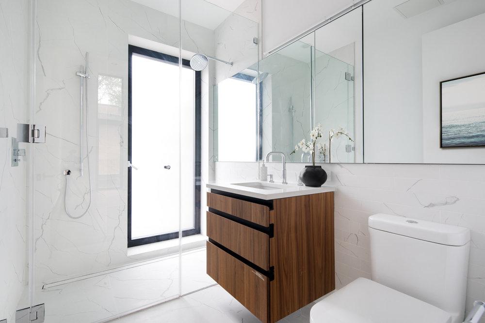 Virtually staged bathroom by Spotless Agency