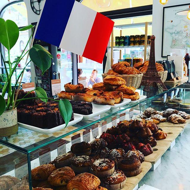 Franska nationaldagen idag! 🇫🇷 vi har öppet till kl.16 och stänger sedan för ett par veckor!